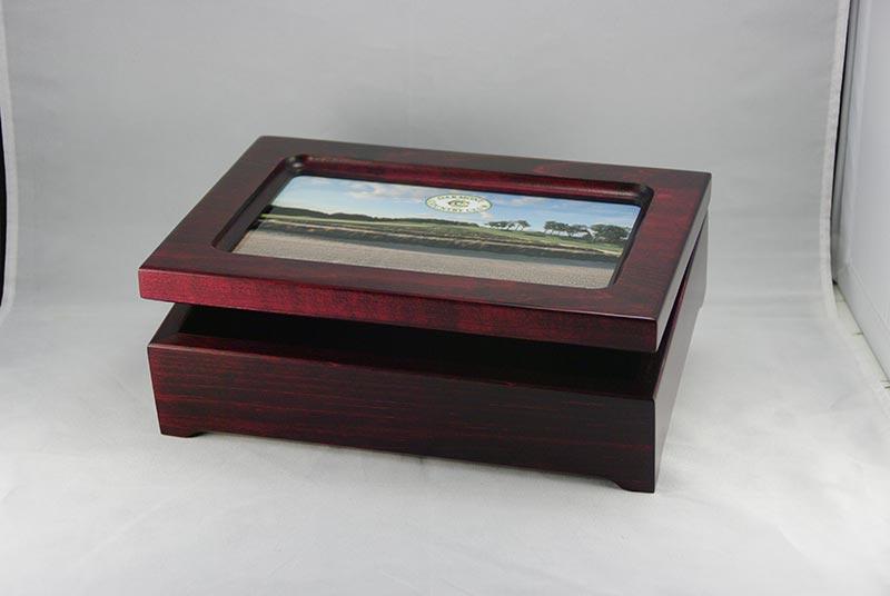 Custom-Maple-Gift-Box-with-Metal-Photo-Insert