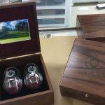 Custom-Walnut-Gift-set-with-Wine-Glasses